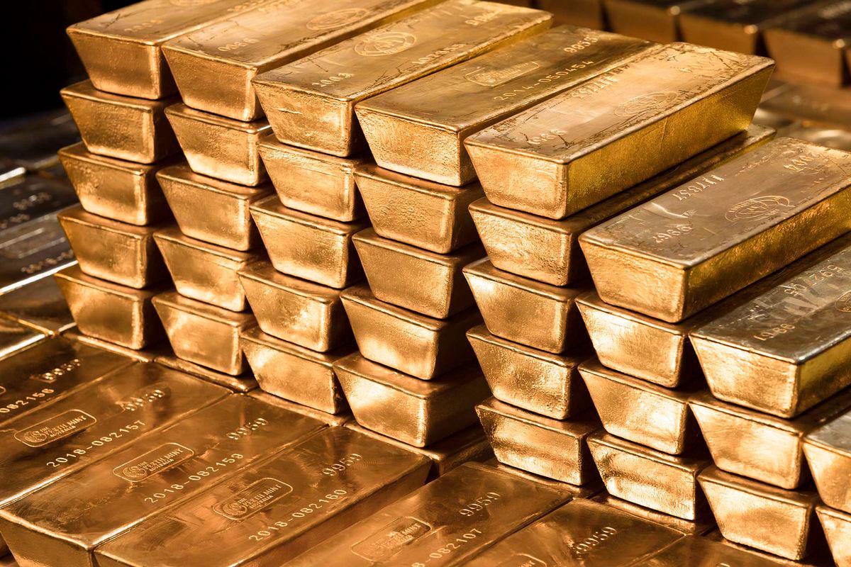Les banques réalisent d'énormes profits alors que les investisseurs accumulent de l'or